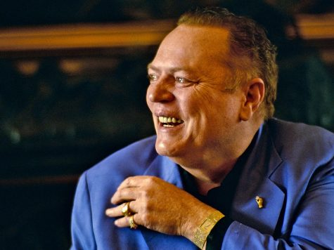 Poker Veteran Larry Flynt Passes Away