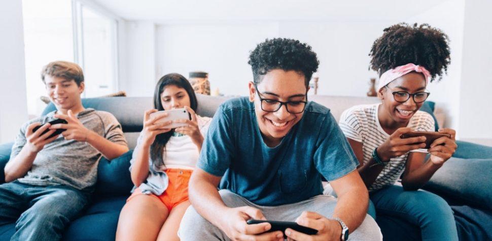 Why Is Online Rummy Better Than Offline Rummy?