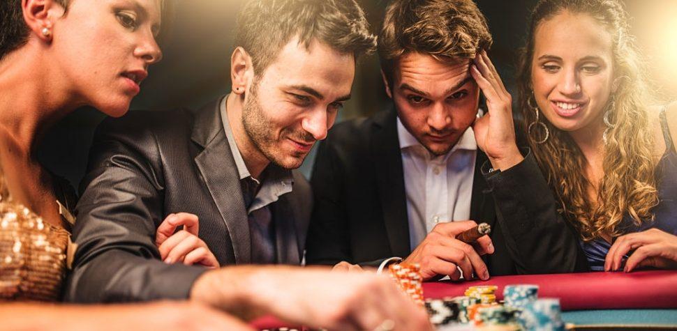 Cash Games vs Tournaments: What